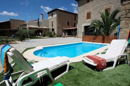 Casa con piscina y huerta, Artajona - Artajona - House