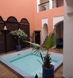Riad Lilas, chambre double, pas cher, Marrakech. - Bed & Breakfast