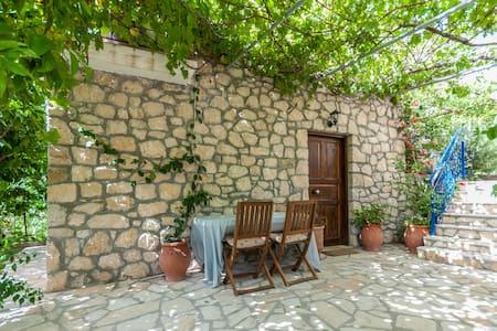 Neda Fairytale stone Mezzonete - House