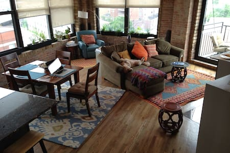 Chinatown penthouse luxury loft - Chicago