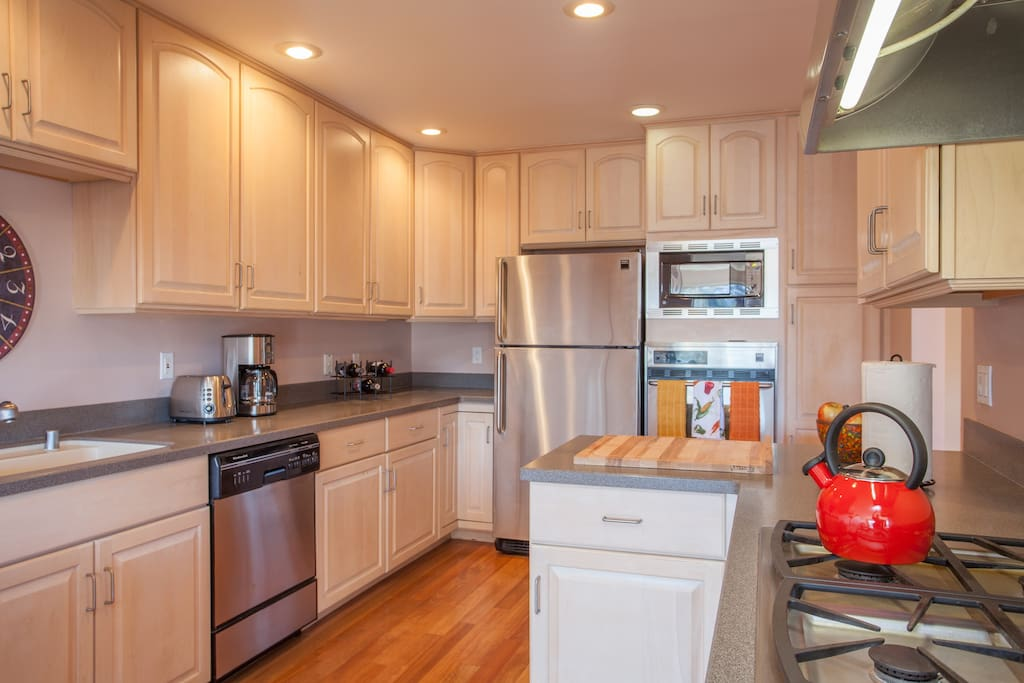 Get cooking in the full kitchen with updated appliances and plenty of counter space!
