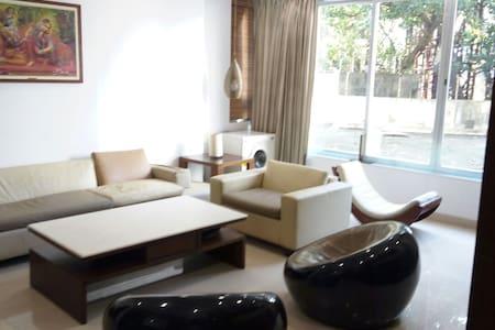 Luxury 2 BD apartment with Parking - Mumbai