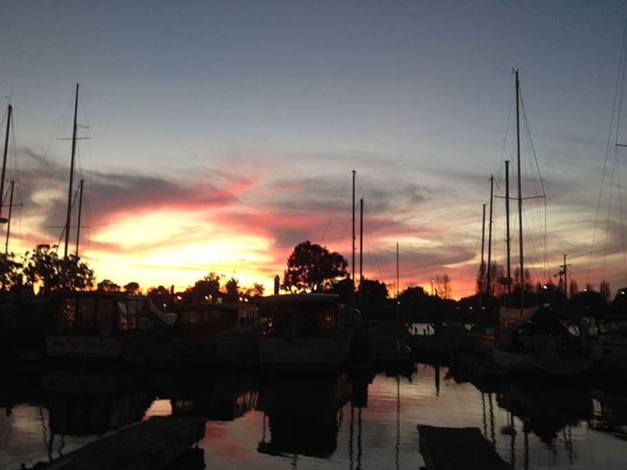 Magical Oakland sunset from the aft deck.