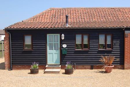 Adelaide Cottage, Bacton, Norfolk - Bacton