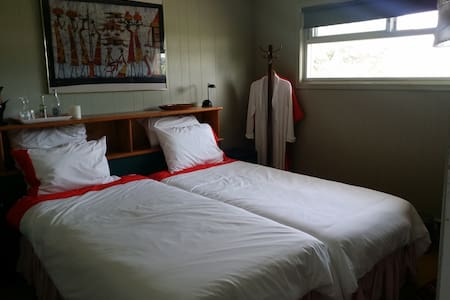 Twin Room - B and B at the Ranch - Port Perry