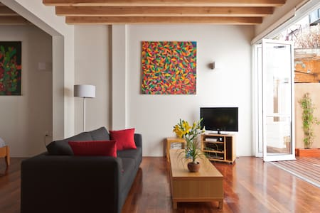 CONDESA COZY, COMFORTABLE APARTMENT