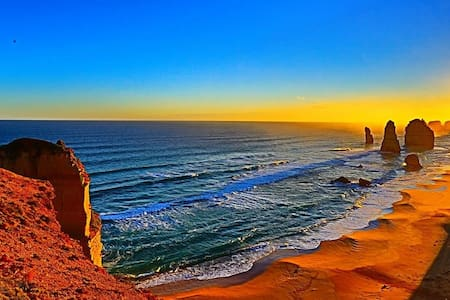 Twelve Apostles Nature Escape