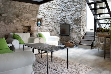 Lake Como Romantic Stone Cottage 4P - Argegno