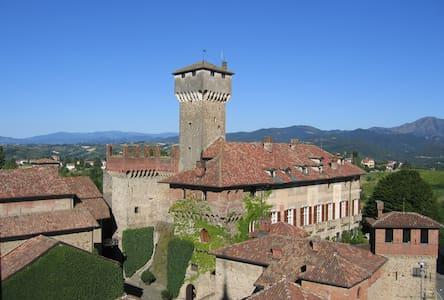 Castello di Tagliolo Guest Houses - Casaleggio Boiro - Leilighet