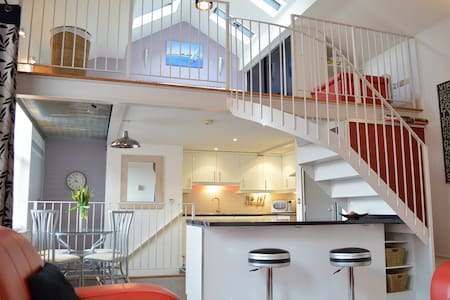 The Mezzanine Apartment - Scarborough - Appartement