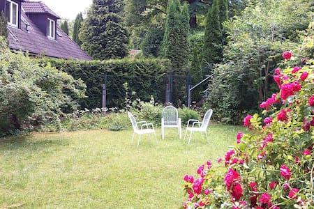 Ferienwohnung nahe Starnberger See - Leilighet