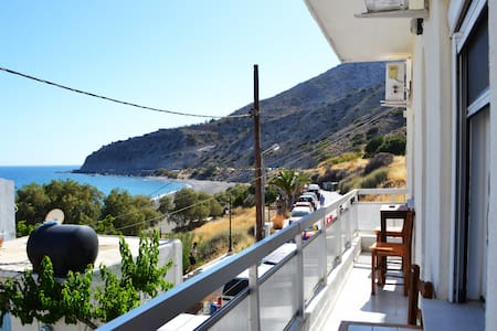 Katerina Hostel Crete - Myrtos - Bed & Breakfast