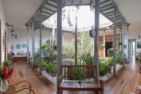 Casa Echeverri en Salamina Caldas - Salamina - Casa