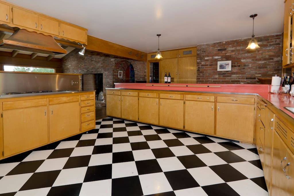 Original 50's kitchen with bar seating for 3