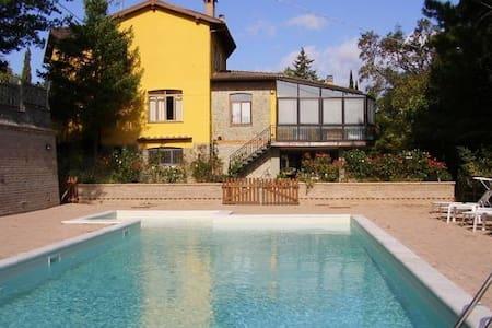 Schönes Haus mit Pool Toskana - Scheggia