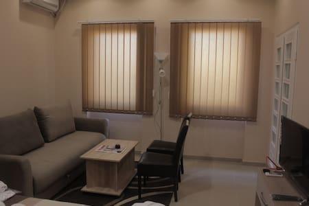 Studio Apartment Fineta - Apartemen