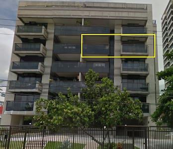 Spacious 3 Bedroom Oceanfront Apartment at Barra - Rio de Janeiro - Apartment