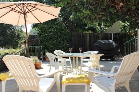 Families! 2 BR Sleeps 5, with Pool  - Glendale - House