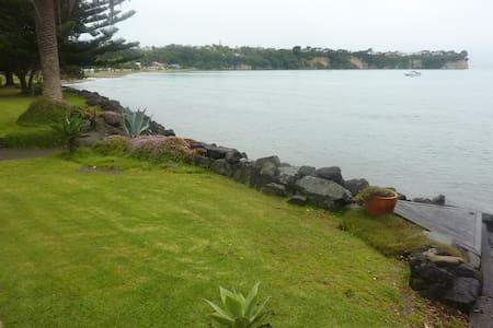 "Beachside Apartment - ""The Bach"" - Whangaparaoa"