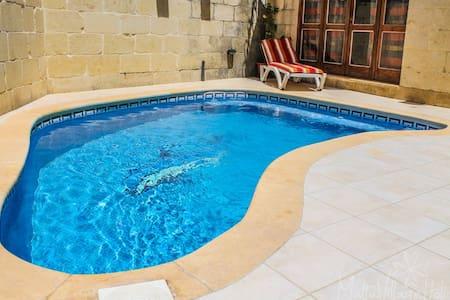 Tal-Bniet - rustic spacious villa with pool - Nadur - Villa