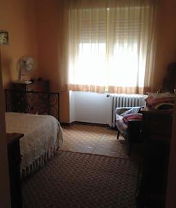 Sorgono, stanza doppia o tripla - Wohnung