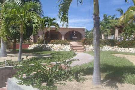 Baja Bungalow   10min walk to kite boarders beach - House