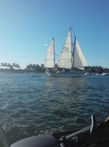 Sailboat w/ AC and beautiful view - Key West - Bateau