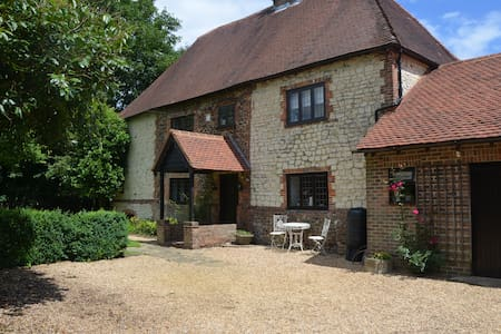 Burntash Farmhouse - Steep Marsh - Petersfield - Hampshire - Hus