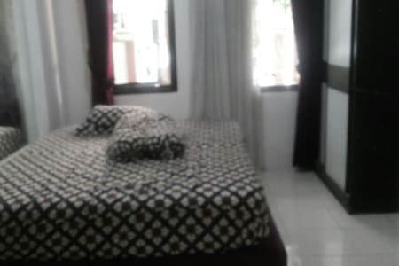 My room in my house welcome to you - Banten, ID - Rumah