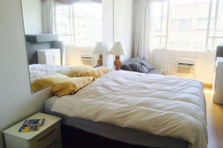 King Bed in Copacabana