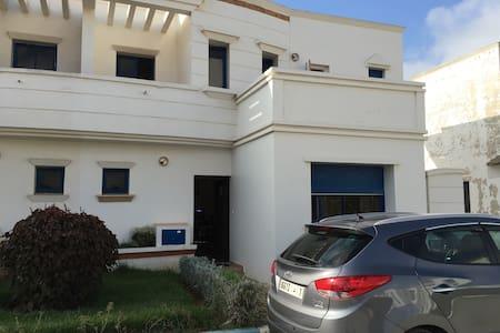 Villa  à Skhirat plage à 2 niveaux. - Skhirat