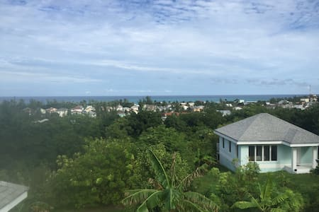 Beautiful One Bedroom Cottage, Very private - Nassau