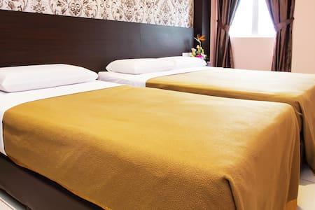Family Room Remember Hotel (Bukit Gambir) - Lakás