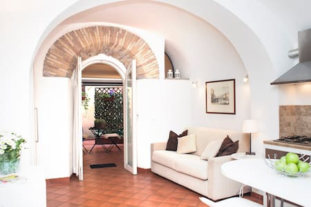 Cosy studio in the heart of Rome