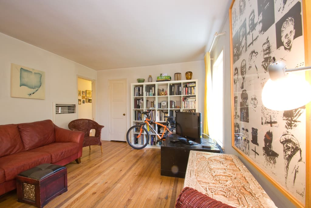 Living Room,  great bike riding on the bike path running alongside the beach that's only 4 blocks away.