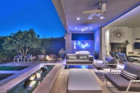 Desert Knoll - Luxury Palm Springs Villa - Palm Springs