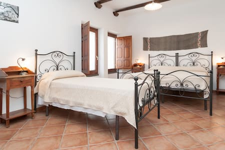 "Camera  Piscinas"" B&B Sa Muredda - Bed & Breakfast"