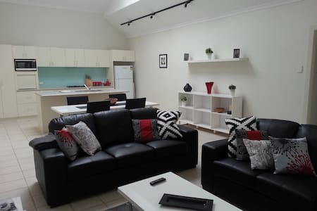 Studio One Self Catering Apartment - Ev