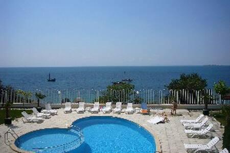 Мезонет 1-я линия с видом на море. - Sveti Vlas - Loft