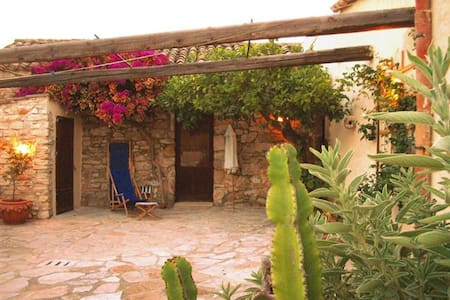 Affascinante casa in pietra - Maison