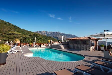 Chambre d'hôte pour 2 personnes - Corte, Haute-Corse