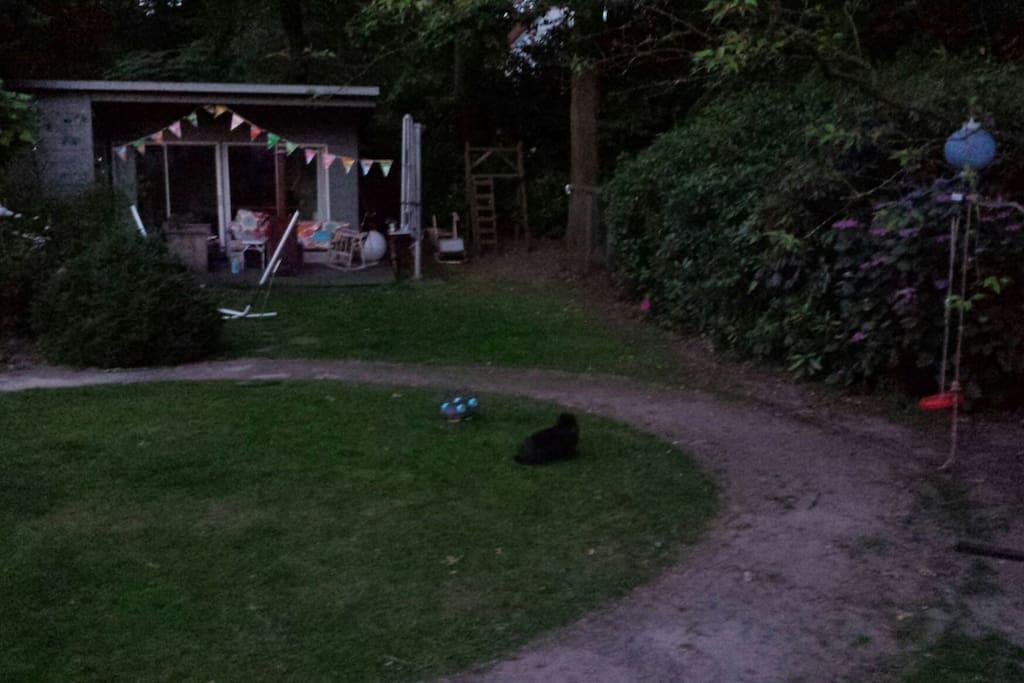 Gastenverblijf achterin de tuin