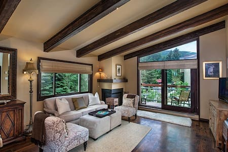 Luxury Condo in heart of Aspen - Apartment