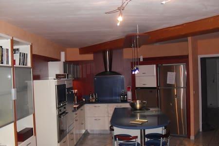 appartement de 100 m2 - Wohnung