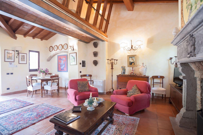 Luxury villa with pool near Rome
