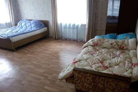 4-х местная квартира на Тульской 6 - Daire