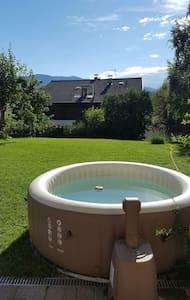 Wohnung mit grossen Garten und Pool - Leilighet