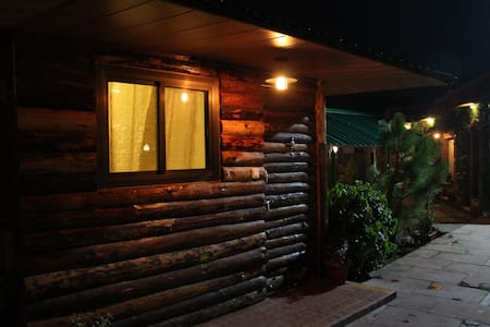 Luxury Homestay Jharipani Castle (Log Hut) - Mussoorie - Hut