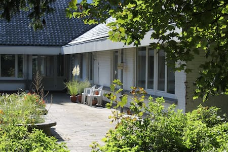 retreat house near ocean/room Piet