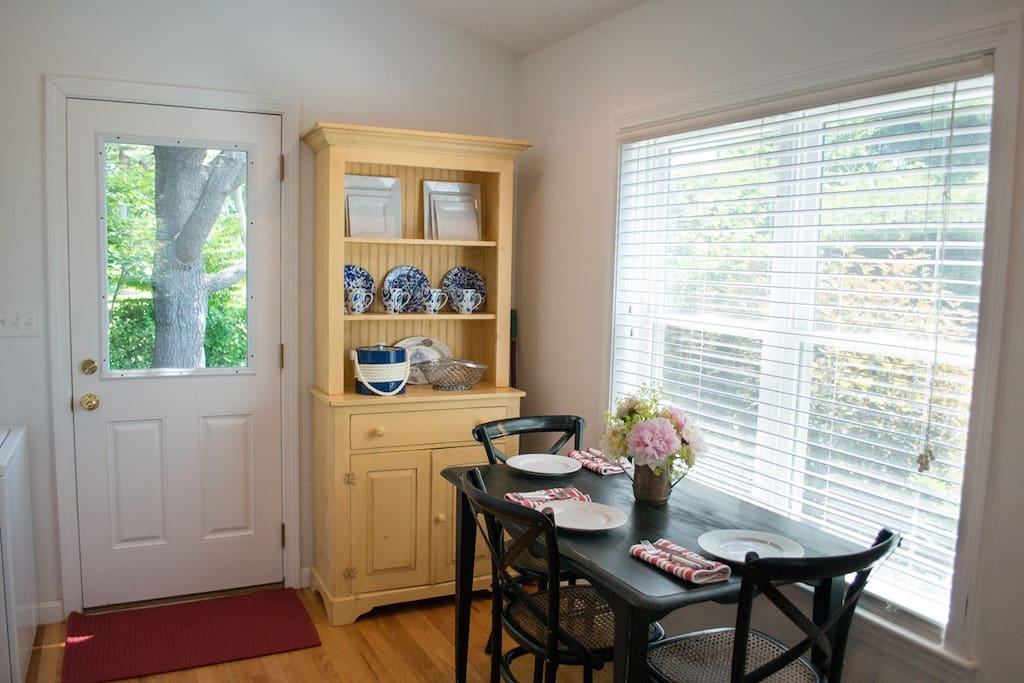 Plenty of dining space both at the kitchen table and the breakfast bar.